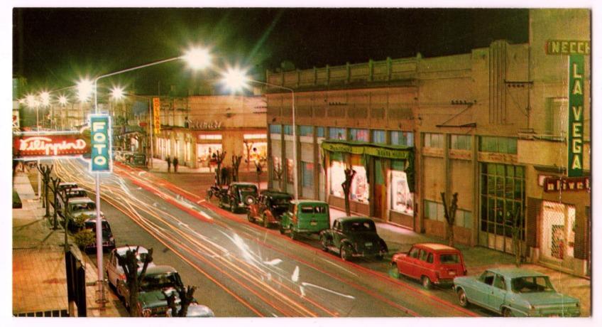 Vista nocturna de la calle 20.
