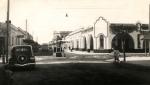 Santa Rosa, La Pampa. Calle Pellegrini, esquina 9 de Julio. Se observa la estación de servicios de Falappa, donde actualmente (2010) se encuentra el edificio de Sempre.